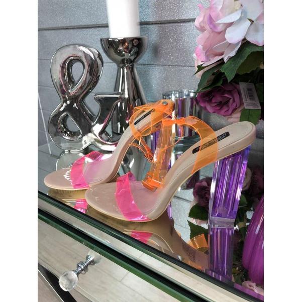 Luxunsní botičky s barevnými doplňky
