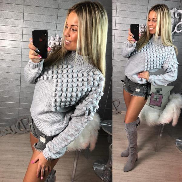 Pletený svetřík s kuličkami šedý
