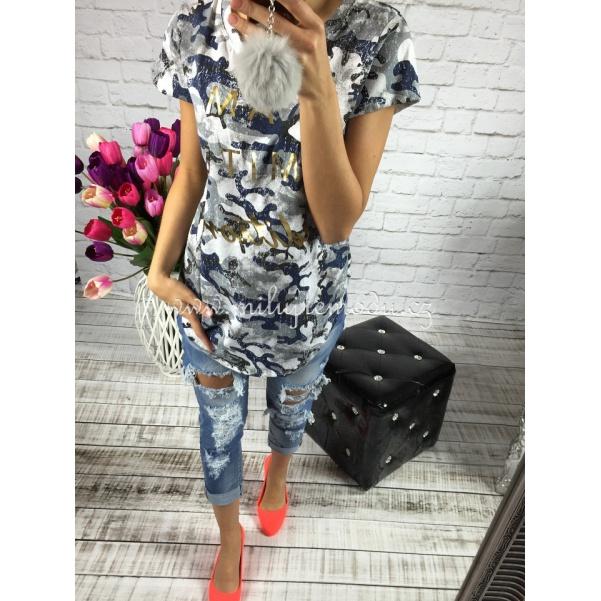 Stylové děrované džíny