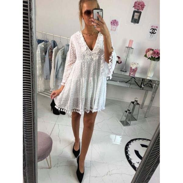 Bílé stylové šaty