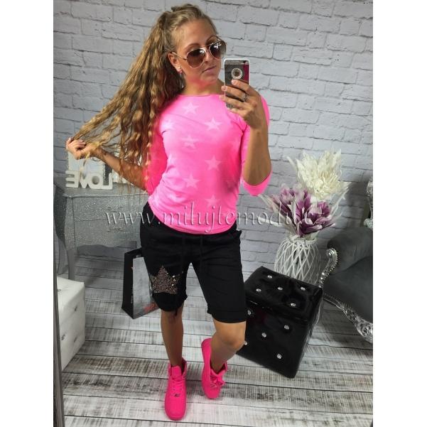 Růžové tričko s hvězdama