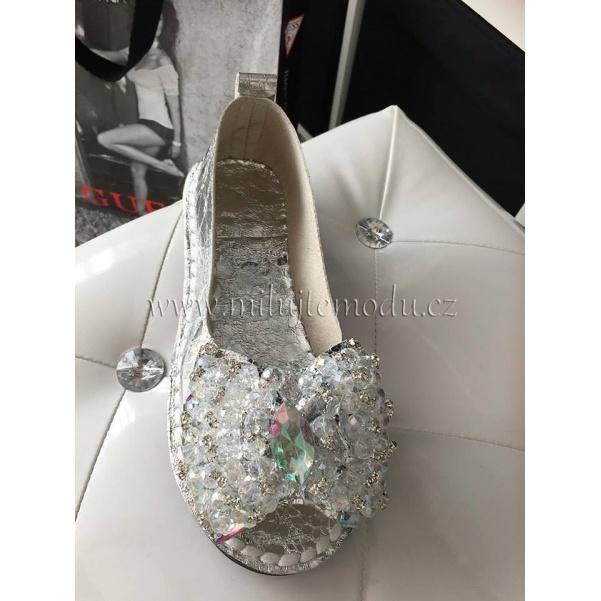Stříbrné botky s kamínkama