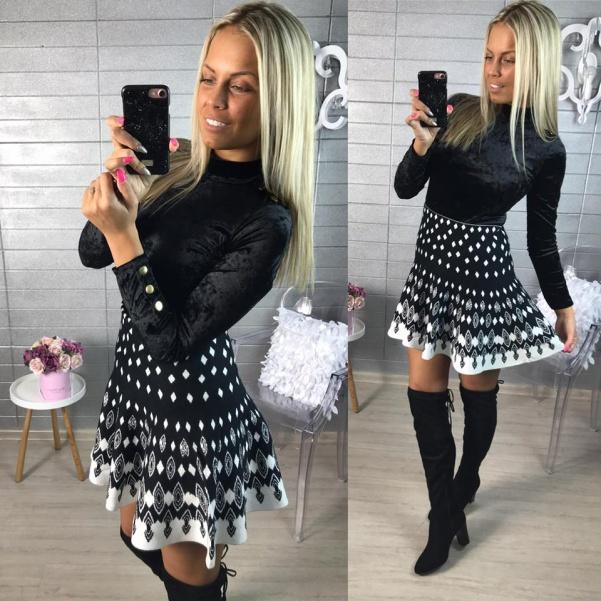 Vzorovaná černá suknička