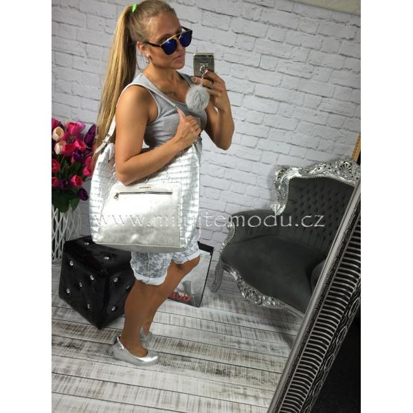 Stříbrná kabelka se zipem