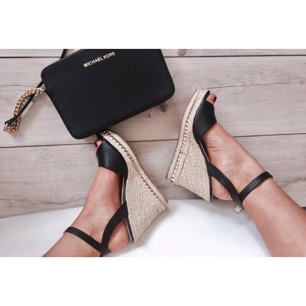 Sandálky na klínku- černé