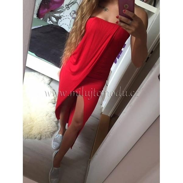 Pohodové červené šaty