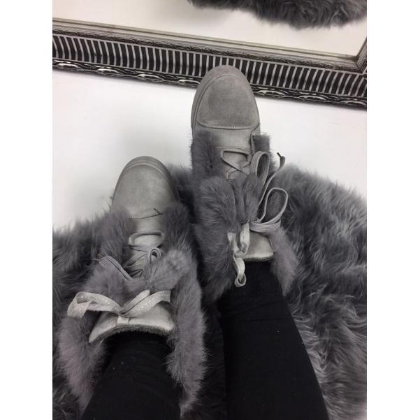 Lxusní šedé botičky s kožíškem