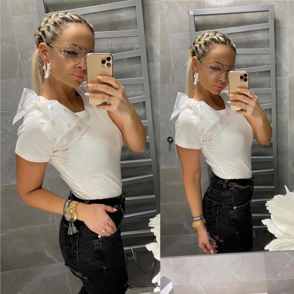 Bílé moderní tričko s mašlí