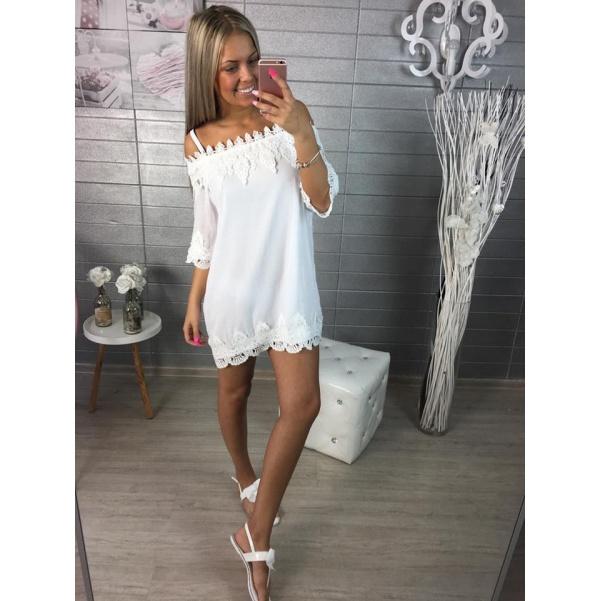 Bíle krajkové šatičky