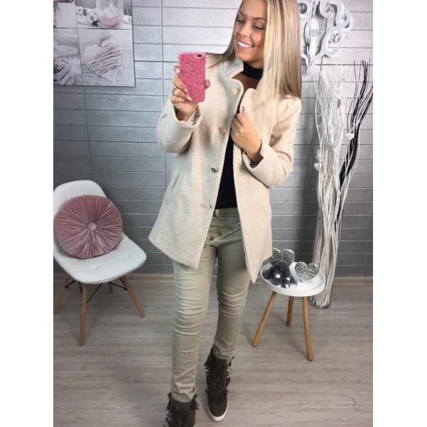 Béžový kabátek