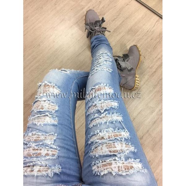 Trhané džíny s krajkou