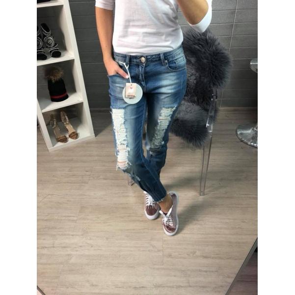 Pohodlné džíny s trháním