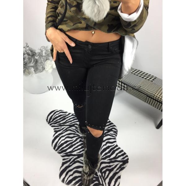 Krásne pohodové džíny s hrotama
