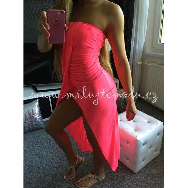 Pohodlné růžové šaty