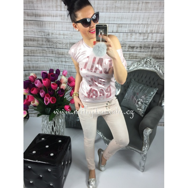 Růžové kalhoty s knoflíky
