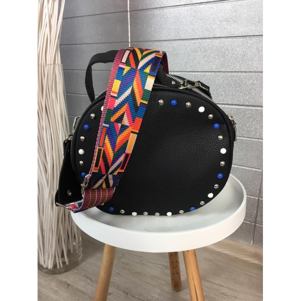 Black kabelka s kamínky