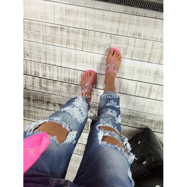 Děrované džíny