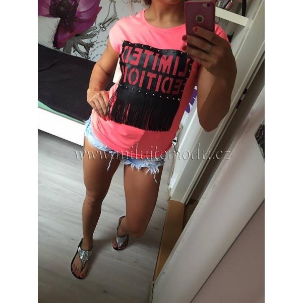Růžové tričko s nápisem