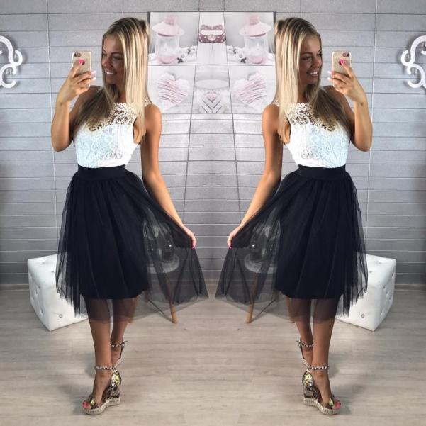 Černá tylová  bohatá suknička