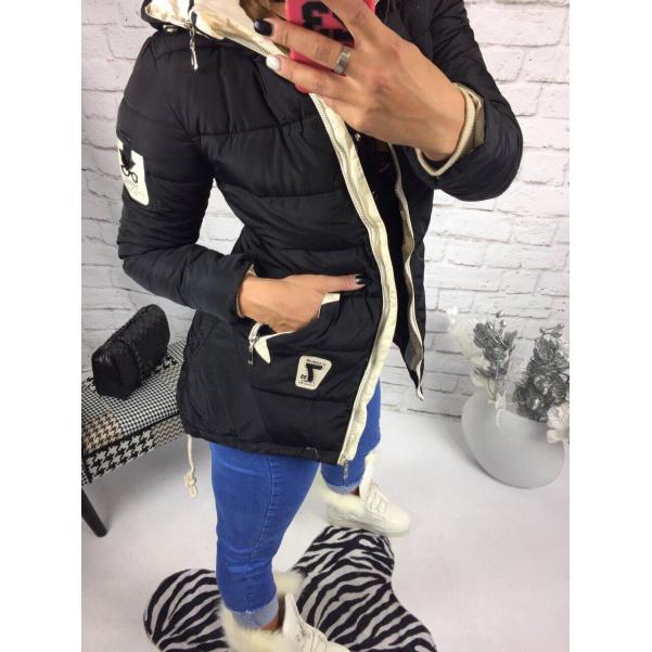 Černá bunda s kapucí