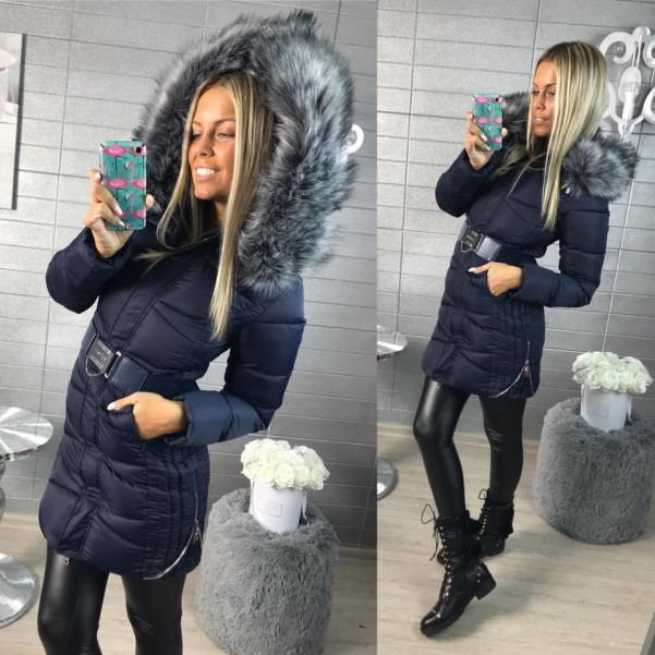 Modrá zimní bundička s bohatým kožíškem
