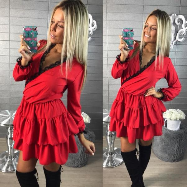 Luxusní červené šatičky s krajkou