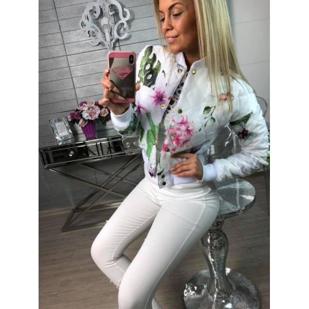 Bílý bomber flowers
