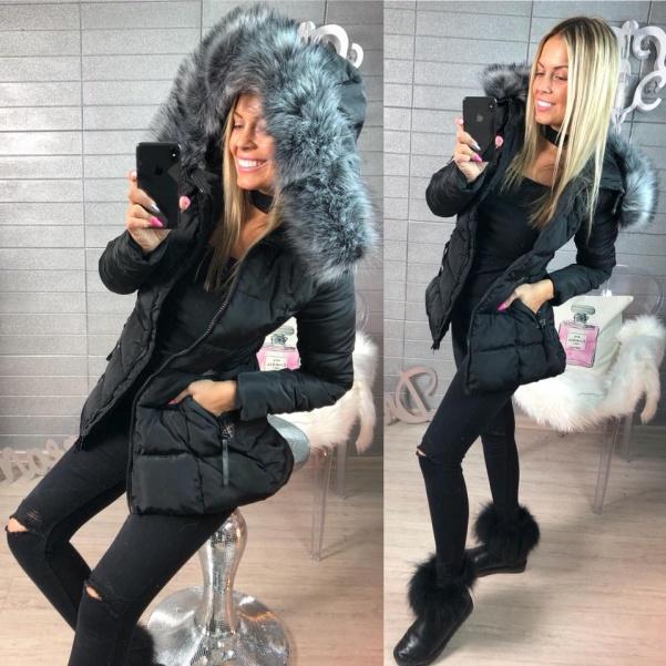 Zimní vypasovaná bundička s krásným kožíškem