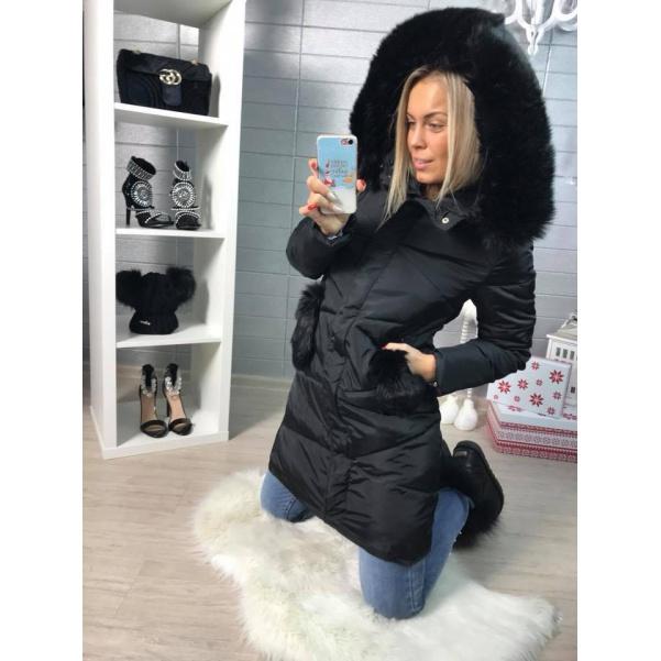 Krásná černá zimní bundička s kožešinkami