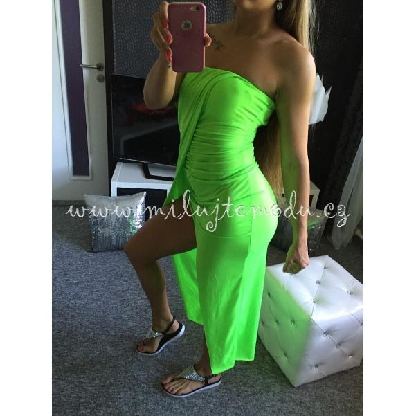 Pohodlné zelené šaty