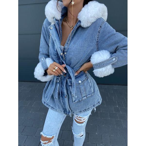 Delší jeansová bunda s kožešinkama
