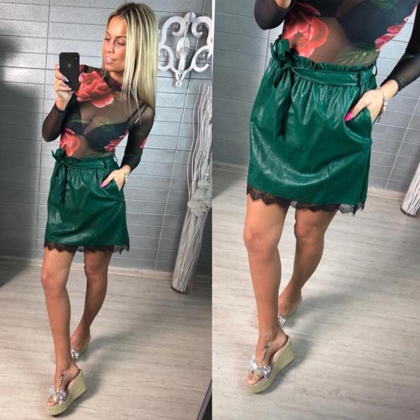Zelená kožená suknička s krajkou