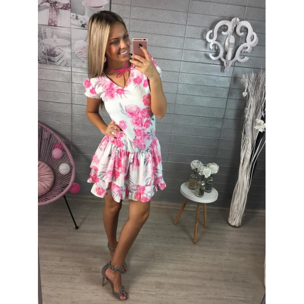 Krásné pink šaty s květy