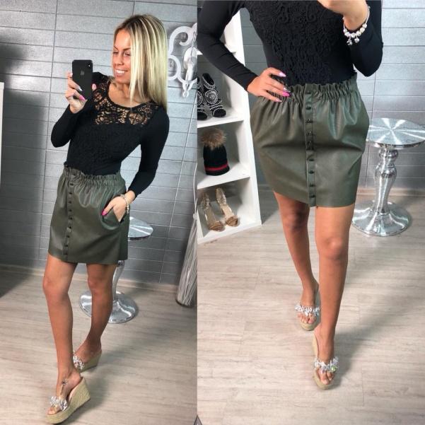 Krásná kožená nařasená suknička -khaki