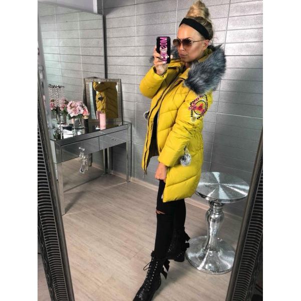 Prodloužená zimní bunda s nášivkami - žlutá