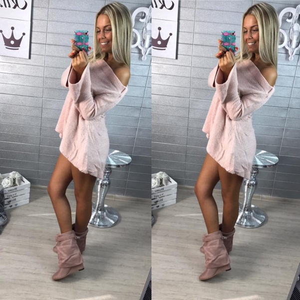 Svetřík s volánky růžový