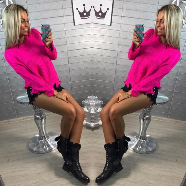 Luxusní neon PINK svetřík s trhaním