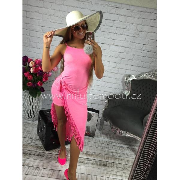 Růžové šaty se střapcemi
