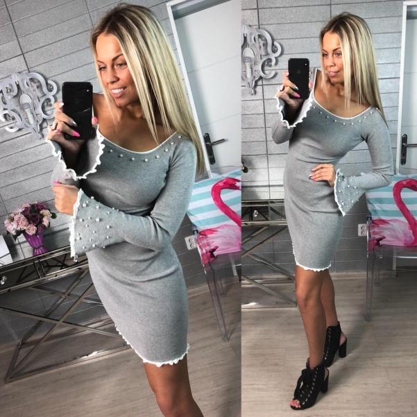 Svetříkové šaty s perličkami šedé