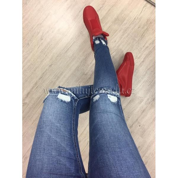 Elastické džíny s trháním