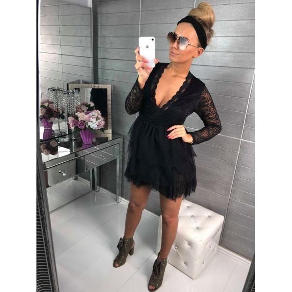 Dokonalé nazbírané krajkové šaty s bohatou sukní