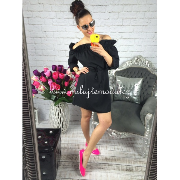 Luxusní černé šaty